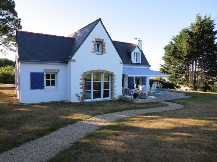 Maison bretonne avec magnifique vue mer