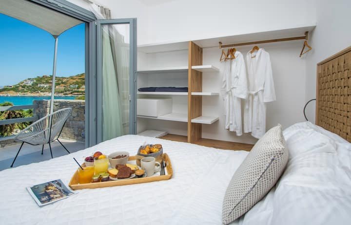 Oro Queen Suite 20 meters next to the beach!