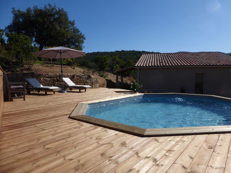 Villa porticcio avec piscine villas louer grosseto for Villa a louer en corse avec piscine