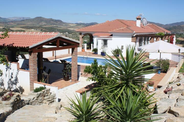 aloravalleyview garden apartment