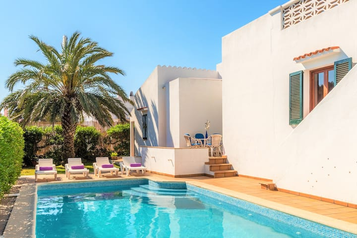 Villa Estrella🌟 beach 🌟 private pool &  WiFi ,AC