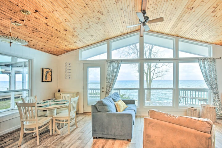 NEW! Lakefront Cottage Near Wineries + State Parks