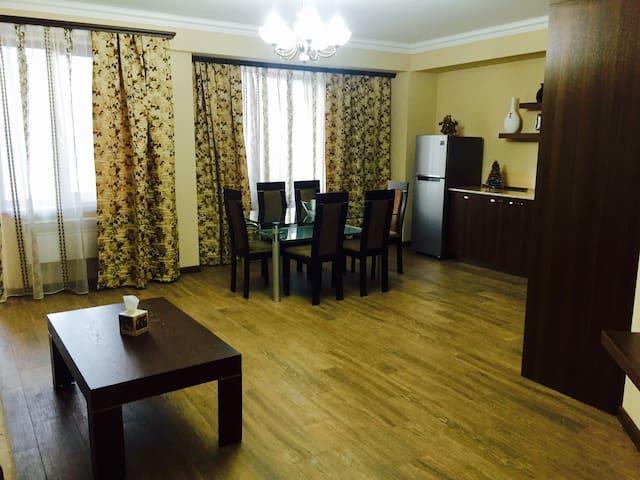 Уютная, теплая квартира - Цахкадзор - Departamento