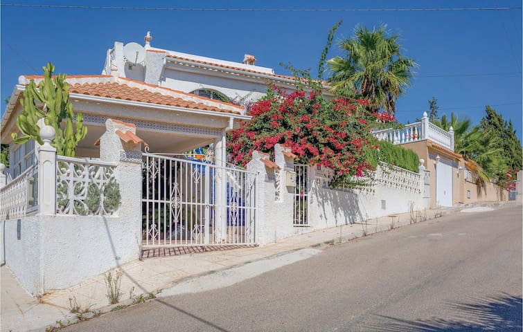 Holiday cottage with 3 bedrooms on 90 m² in Rojales