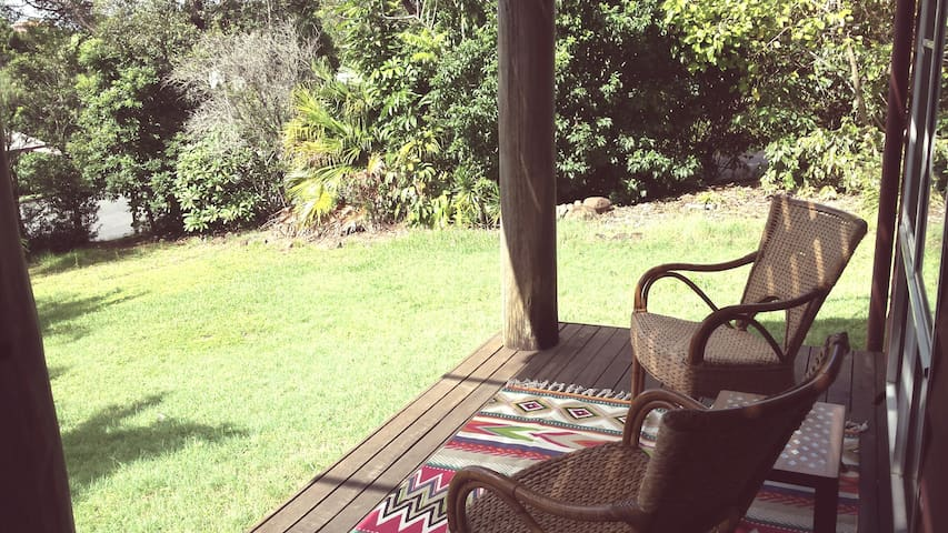 Lennox Treehouse - walk to town! - Lennox Head - Casa