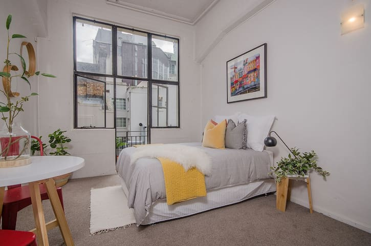 + Stylish Studio in the heart of the City +