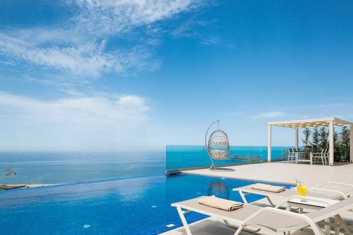 Luxury Villa Jasmine, private pool & sea view