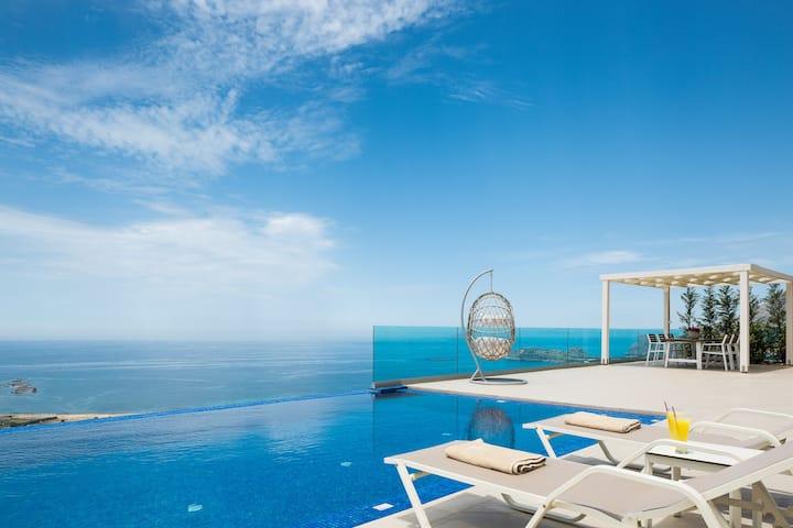 Luxury Villa Jasmine, private pool & sea view