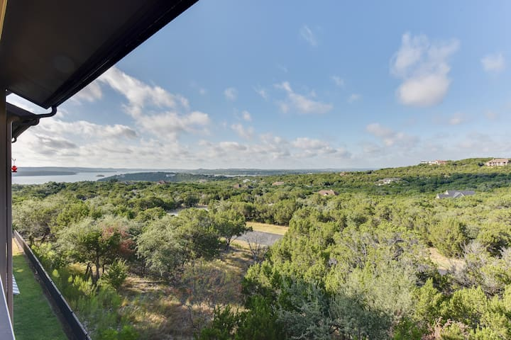 Hill country Retreat at the Hollows