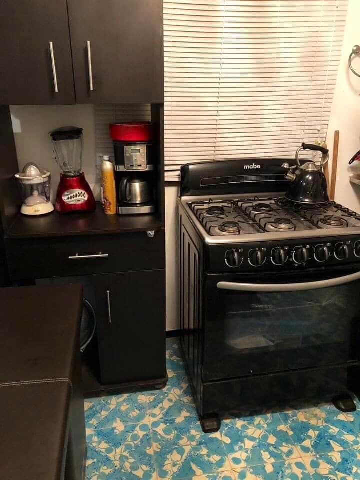Casa pequeña moderna con todas las comodidades
