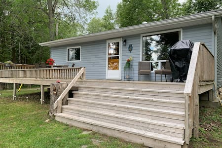 Lake Wolsey Cottage - Lakefront direct access
