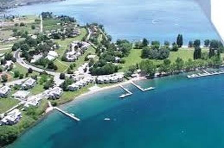 Lake Chelan, Wapato Point Condo Sleeps 6 -- Nekque - Manson - Timeshare (právo užívat zařízení pro ubytování na stanovený časový úsek během roku na mnoho let dopředu - minimálně 3 roky)