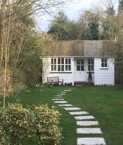 A charming garden room with its own entrance - Bletchingdon - Sommerhus/hytte