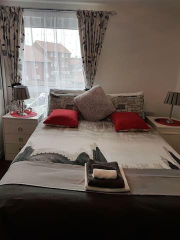 Castle Hill Beauty. Double bed with ensuite