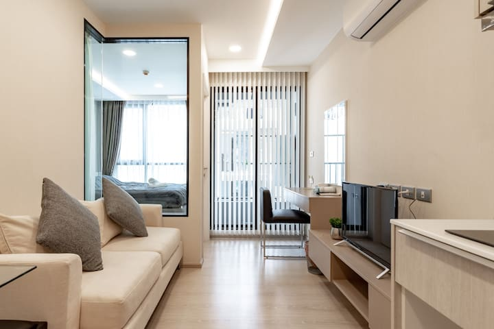 曼谷市中心豪华日式温泉酒店公寓 短驳车接送bts thonglo 本地小吃市场免费泳池健身房