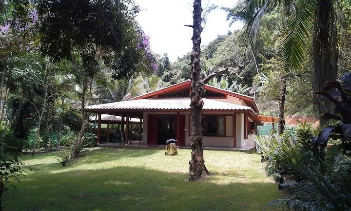 Casa adorável no paraíso, com vista para o mar