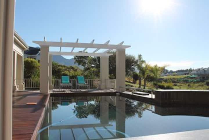 Villa GolfersHeaven im Kingswood Golf Estate