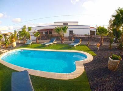 Villa 1-6 personnes 150m2 wifi piscine parking bbq