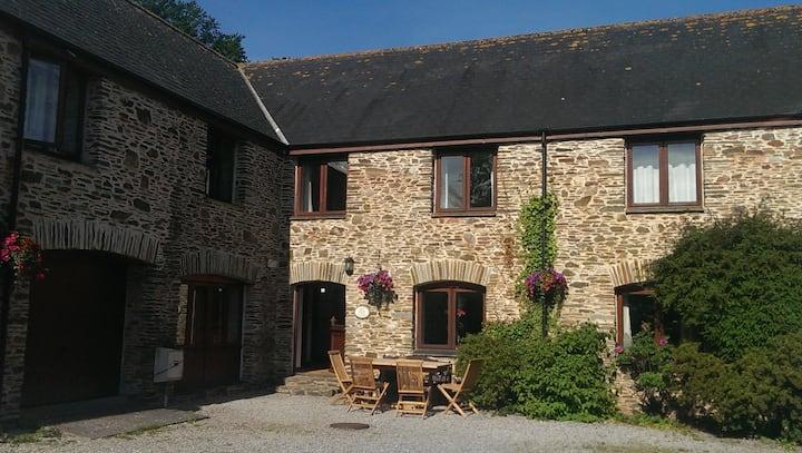 Oak Cottage - sleeps 12 in beautiful South Devon