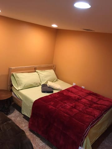 Comfortable&Cheap Room In Astoria,20min to NYC!!! - Queens - Lägenhet