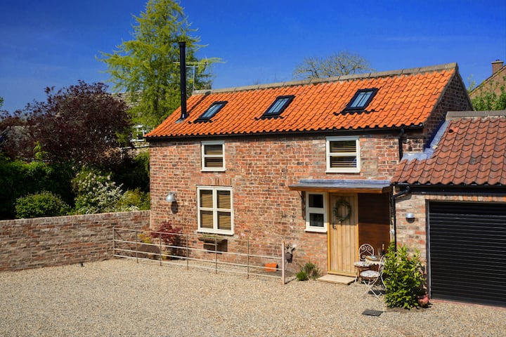 Cosy Cottage tucked away near York. Haxby Hayloft