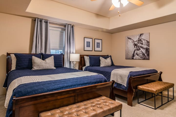 The 5th bedroom has 2 queen beds, a flat screen TV, and lots of room!