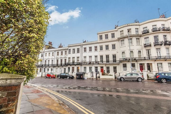 Luxury Regency Apartment Very Central INTRO OFFER!