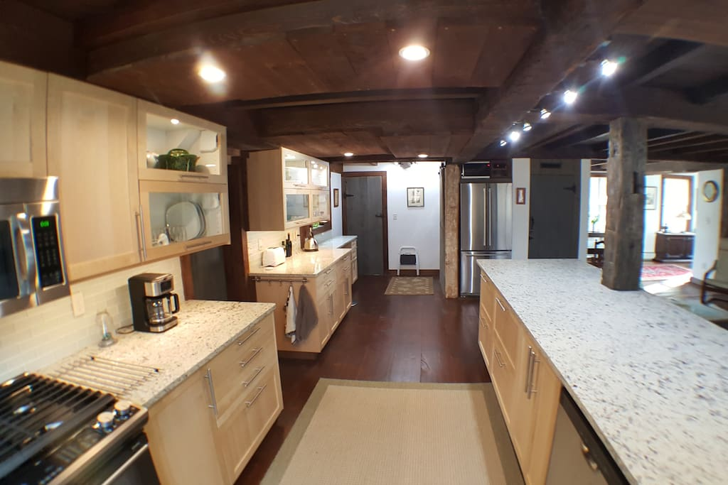 Large fully equipped gourmet kitchen