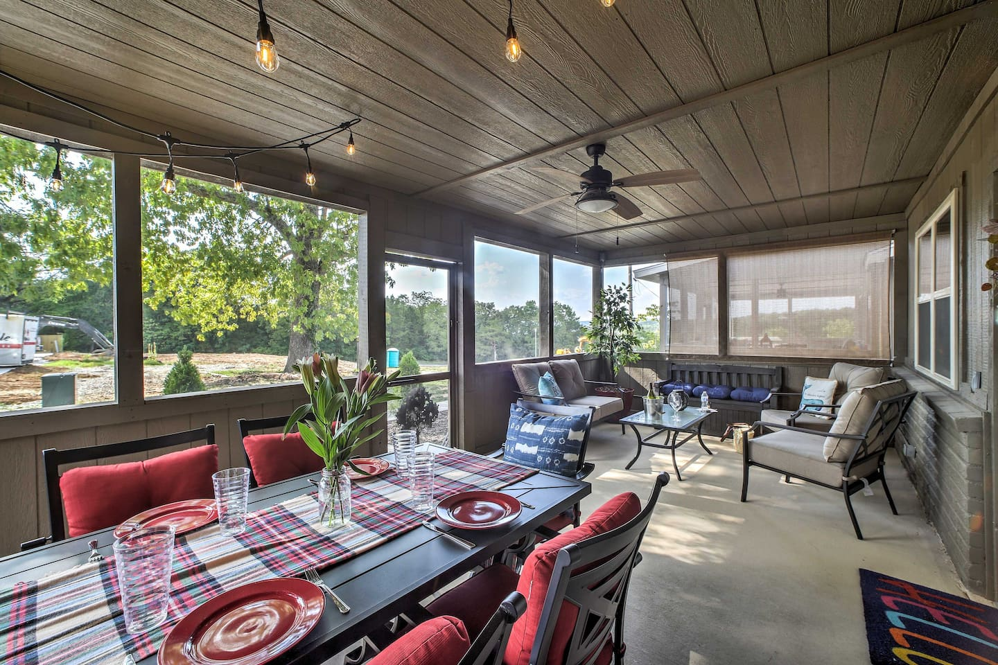 Head to Table Rock Lake and stay at 'Shady Oak Cabin!'
