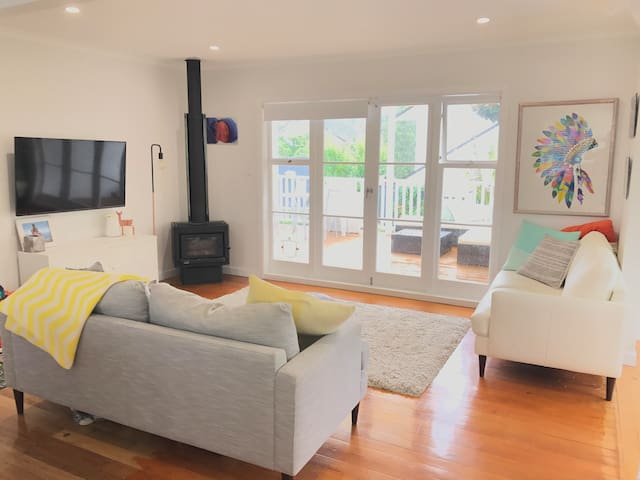 LIONS TOUR -Modern two bedroom home away from home - Auckland - Casa