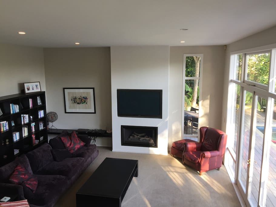 """Cosy Lounge with 55"""" TV and Gas Fire"""