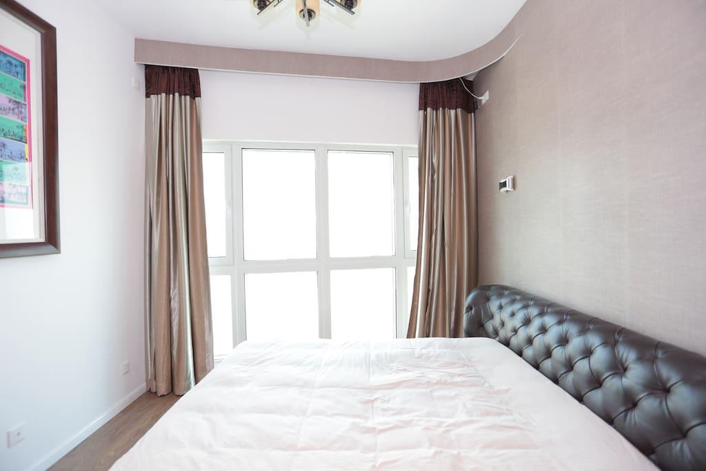 这是我的房间,如果你感兴趣也可以换着睡哈