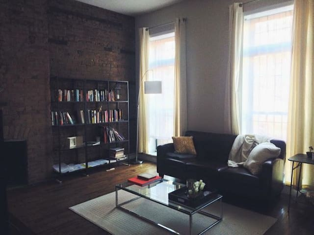 Sunny Brownstone Apartment in Historic Ft Greene