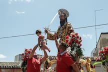 Discovering Val di Noto and its traditional foklore: the crazy feast of San Paolo in Palazzolo Acreide, end of June