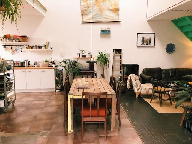 Huge double room in the Warehouse