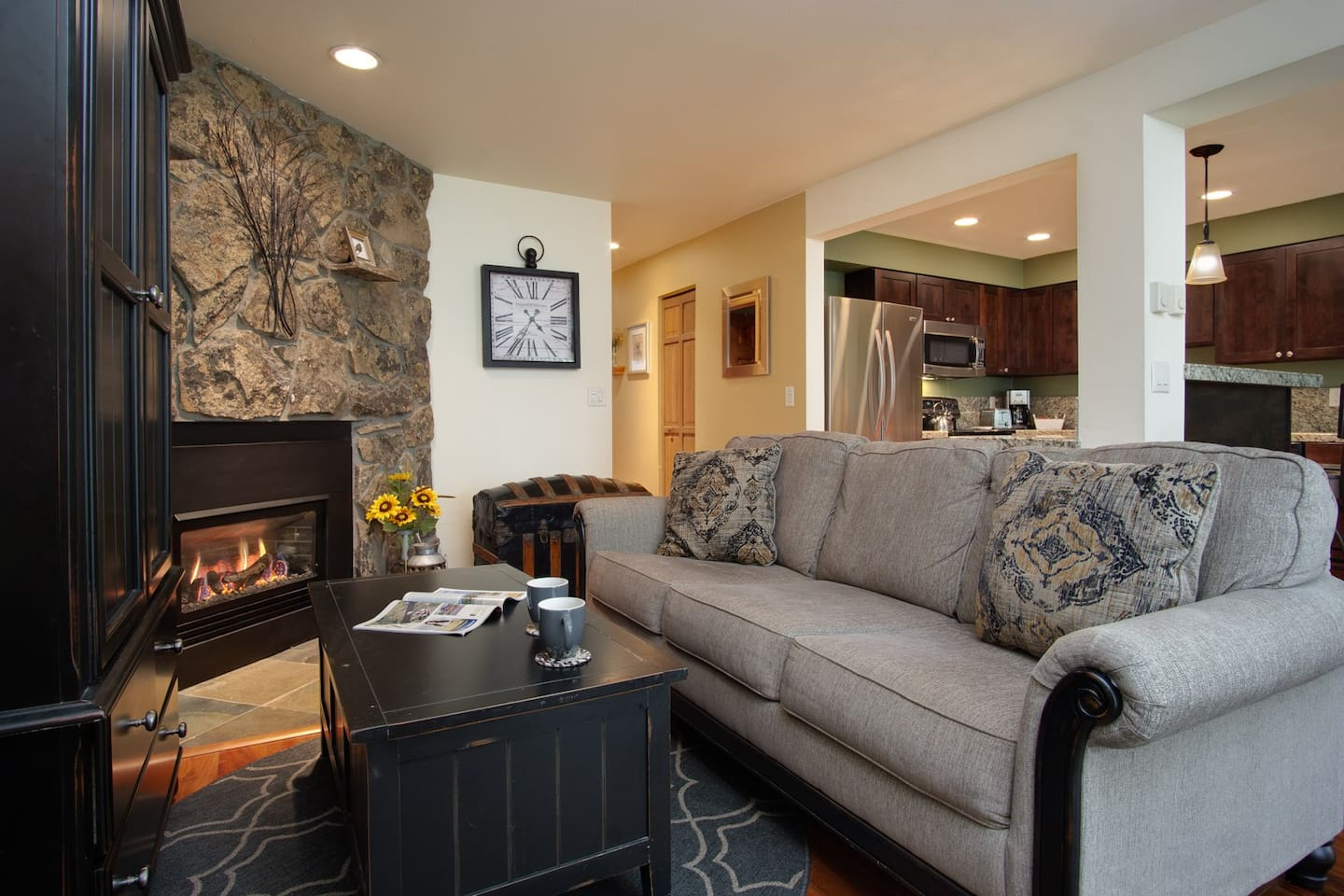Cozy, comfortable condo located just 1/2 mile from Steamboat Ski resort. Everything you'll need for your getaway.