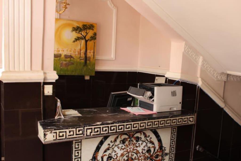 Appart meubl 3 pi ces bastos appartements louer for Appartement meuble a yaounde cameroun
