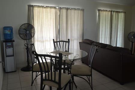 The Duplex - Nuku'alofa - Lägenhet