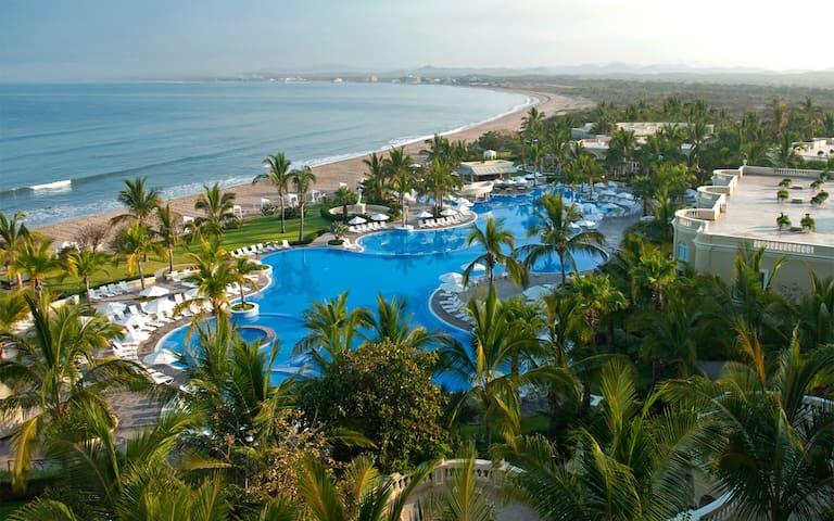 Junior Suite at Pueblo Bonito Emerald Bay - Mazatlán - Hotel boutique