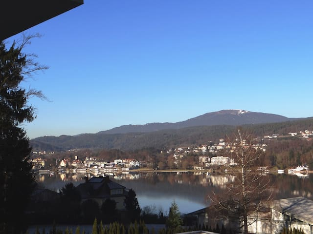Penthouse Apartment with Lake View and Lake access - Velden am Wörthersee - Apartamento