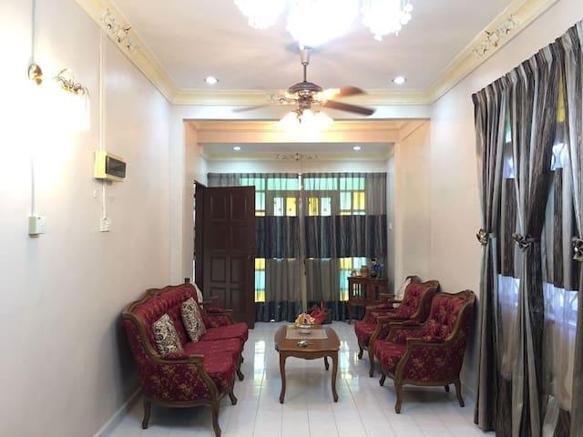 Teratak Ar-Rahman Homestay - Bukit payong - Dom