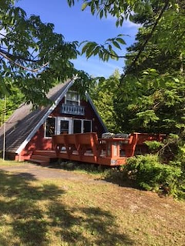 Quaint Cozy A-Frame in Door County - Egg Harbor - กระท่อม