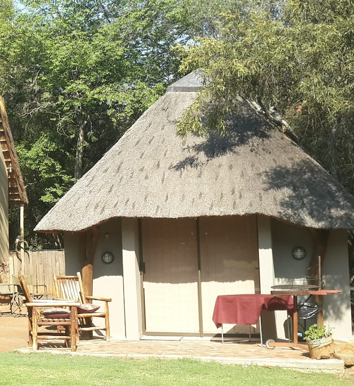 Bushbuck Self-Catering Chalet with small kitchen