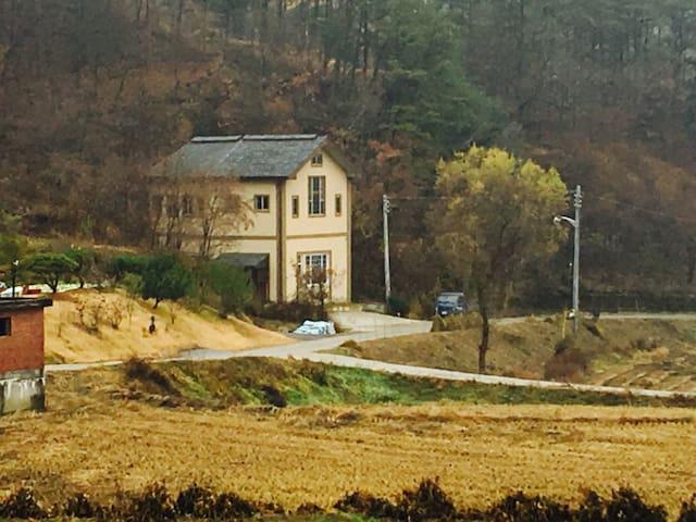 [깐순이네민박]숲속별장, 90평 독채, 가족여행, 친구여행