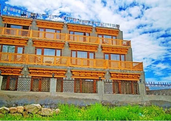 TIH Hotel Himalayan Residency