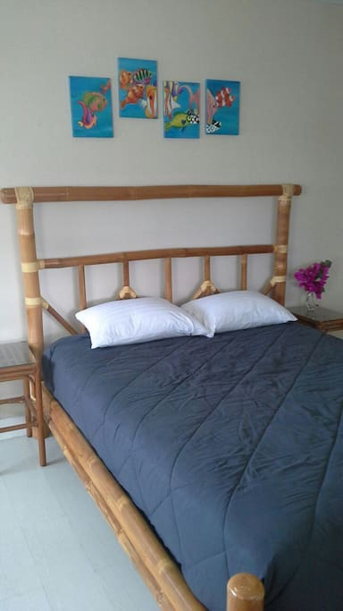 Bamboo platform queen bed