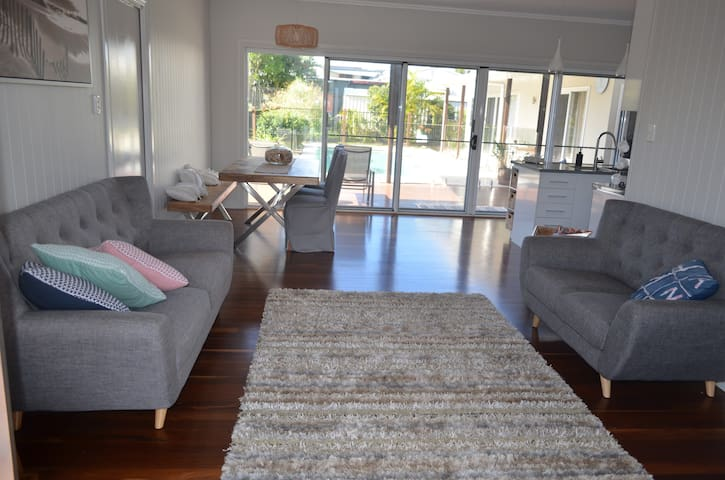 Luxury Hervey Bay Beach House