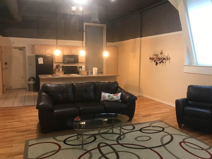 "Luxurious loft ""Dunne"" right in downtown Peoria"