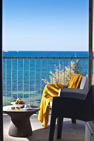 1-bedroom apt. sea view