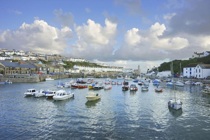 Porthleven harbour. (not the view from the property)